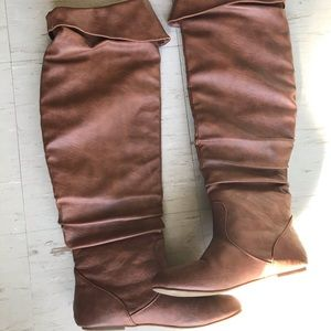 High rise top Moda Brown boots (size 9)